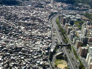 Skyscrapers-slums-caracas 1